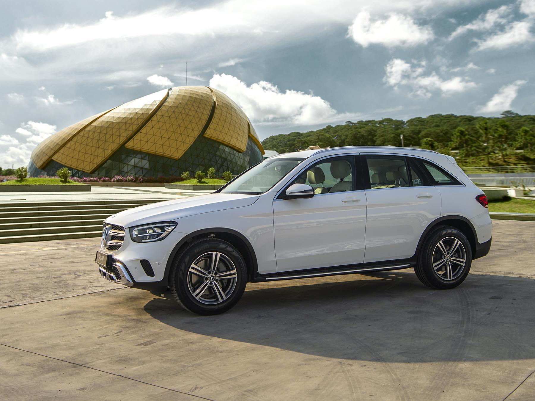Mercedes-Benz GLC 200 2020 (2)