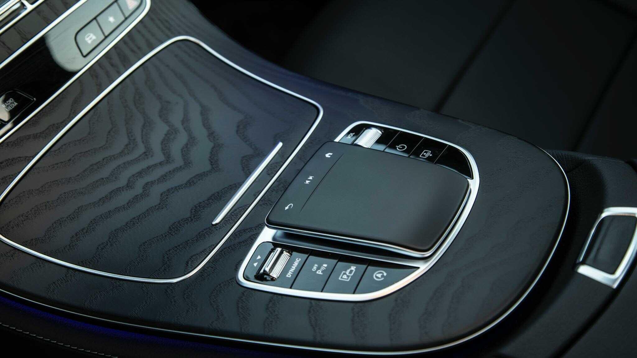 Mercedes E300 AMG 2022 Mercedes Vietnam (12)