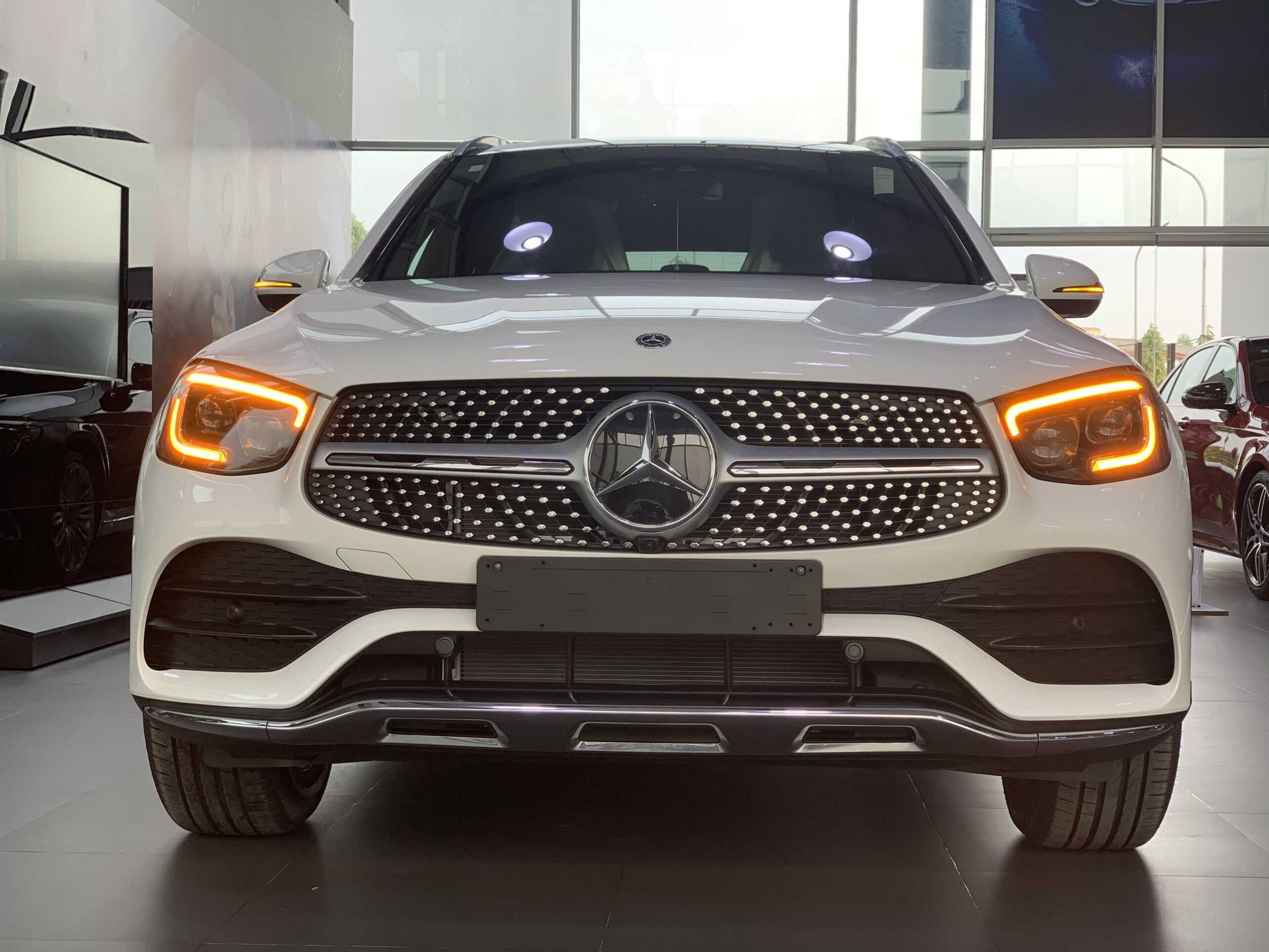 Mercedes GLC 300 4Matic 2022 mercedes ha noi (2)
